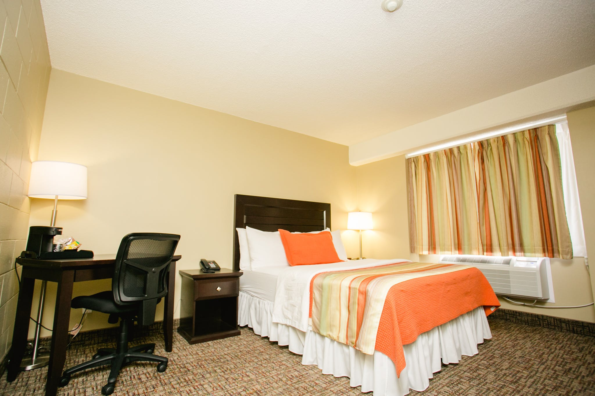single occupancy room 325 Scott St, Fort Frances, ON P9A 1H1, Canada Phone: +1 807-274-5500