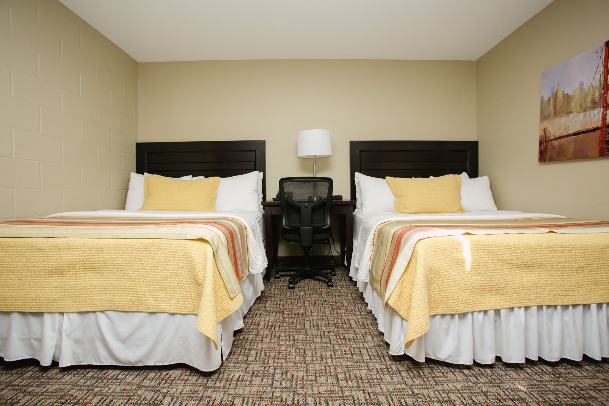 Twin bed hotel room