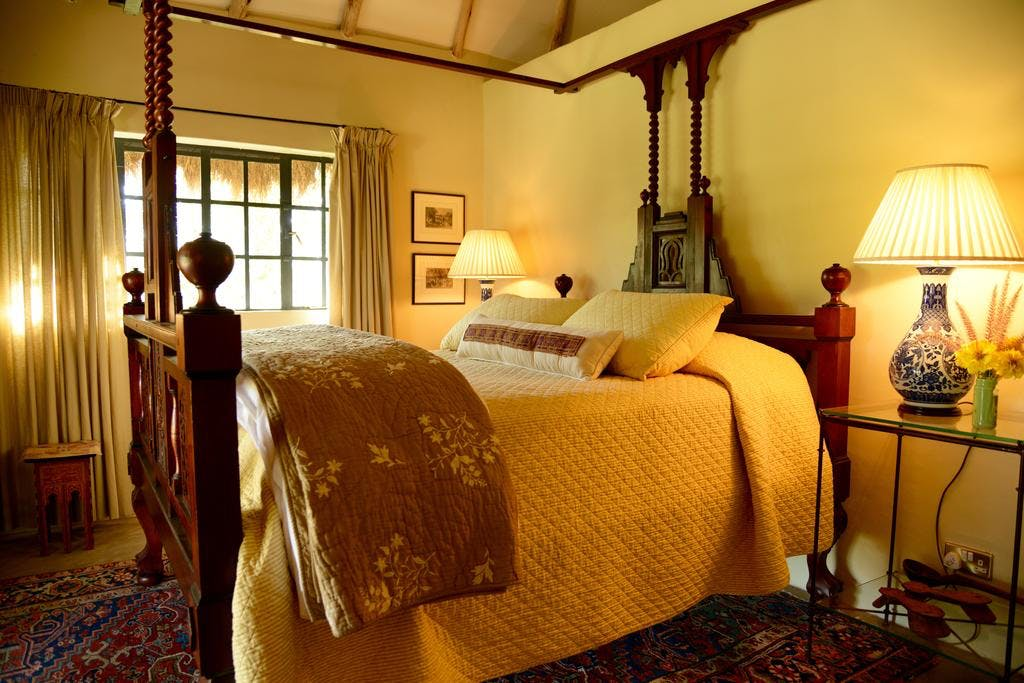 Burton Cottage - queen bed