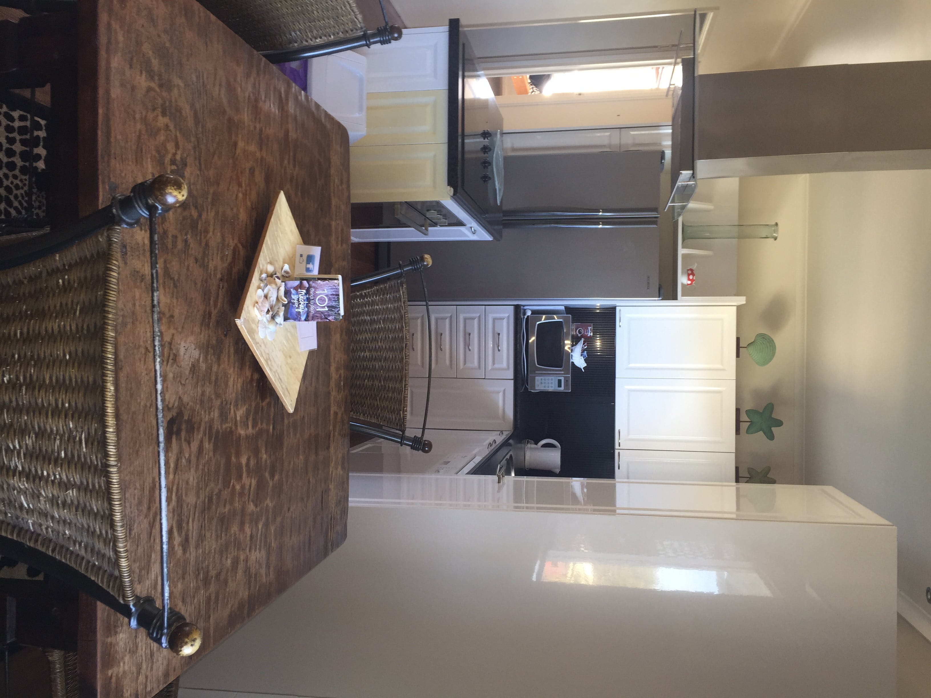3 bedroom apartment kitchen/dining