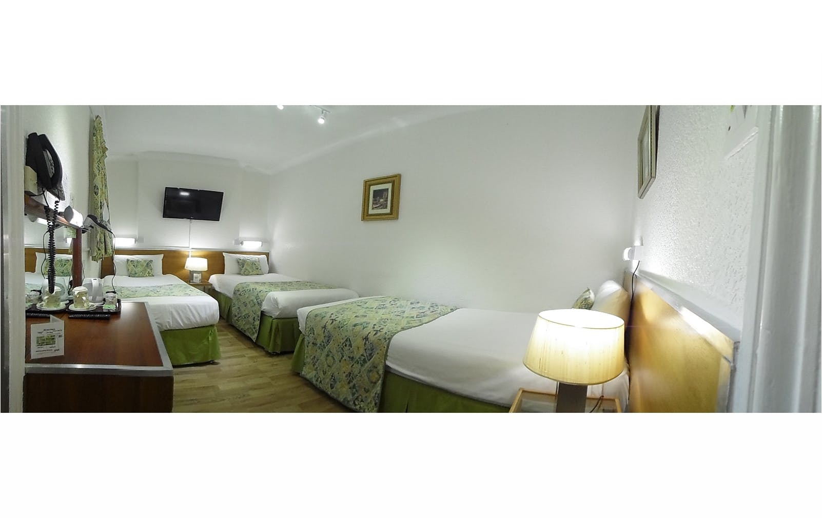 Boutique Hotel central London B&B Accommodation room for 3