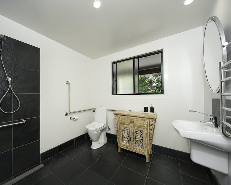 Apartment 2 - Bathroom