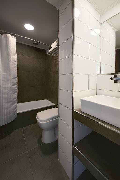 Bathroom Superior Room Alto San Isidro Hotel