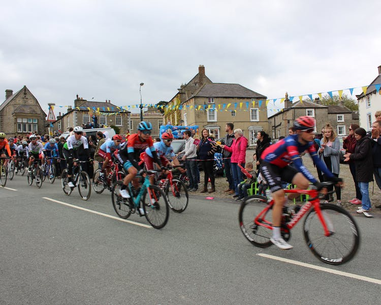 Tour de Yorkshire passing The Wensleydale Hotel, Middleham. Cycling in Middleham, Wensleydale, Yorkshire Dales