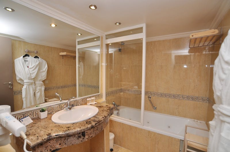 Bathroom / Salle de bain Best western Casablanca