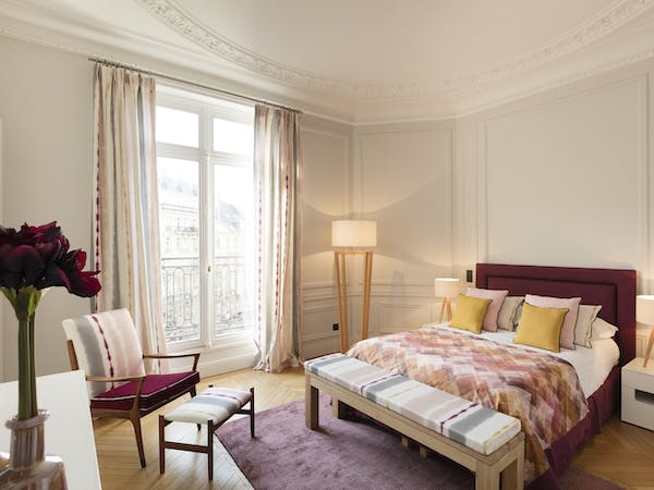 St-Germain Residence - Luxury 4BR - Room #1