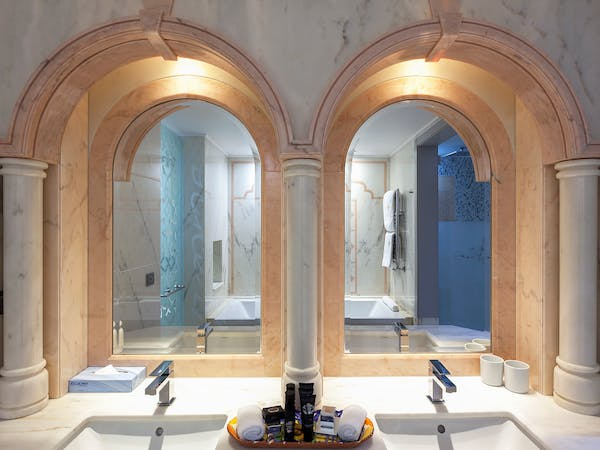 Marble bathrooms and rooms in Portugal