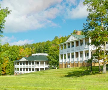 Manor House Lodging at Glade Springs