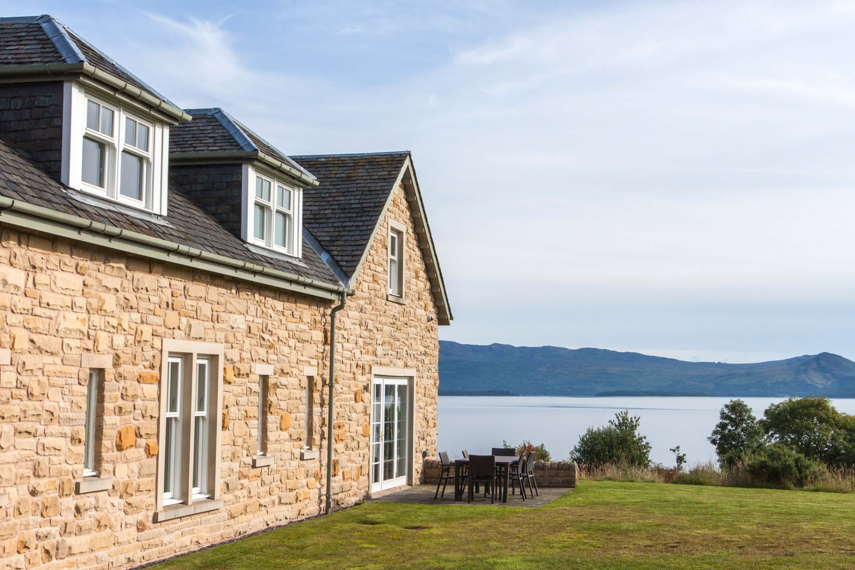 Luxury Holiday Cottage in Loch Lomond