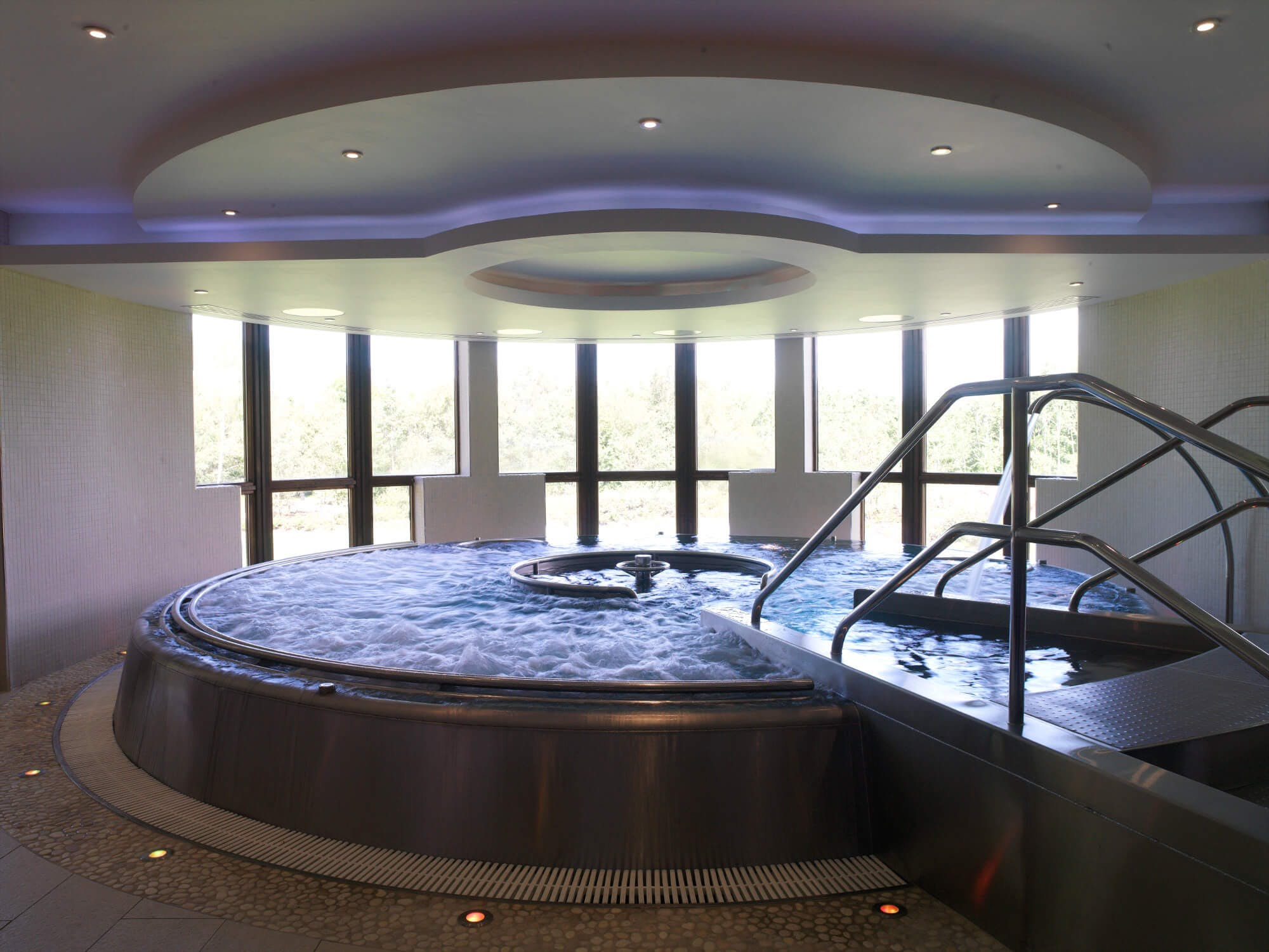 Cameron House Spa Jacuzzi at Carrick Estate