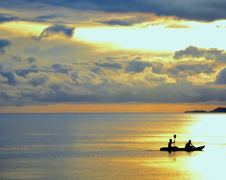 Free kayaks White Villas Resort Siquijor Island Sunset 1MB