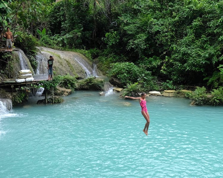 White-Villas-Resort-Siquijor-Island-Cambugahay-Waterfall 1MB