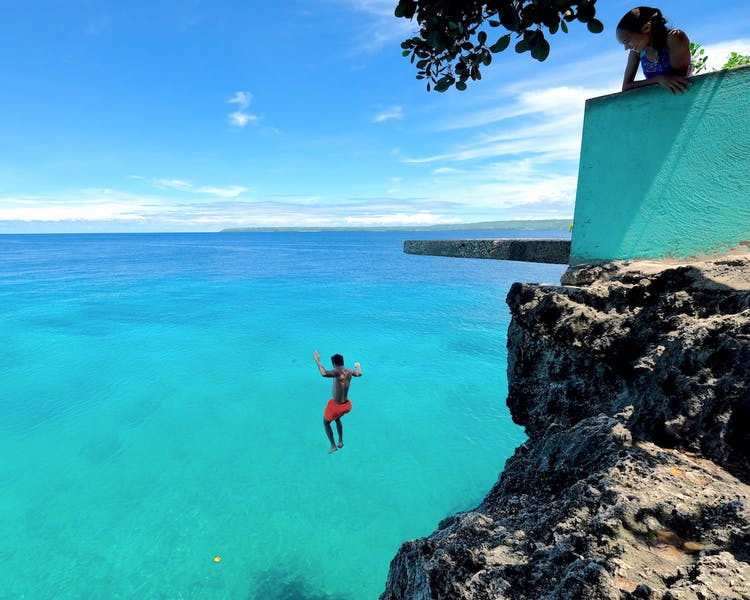 White-Villas-Resort-Siquijor-Island-Salagdoong-cliff-jumping 1MB