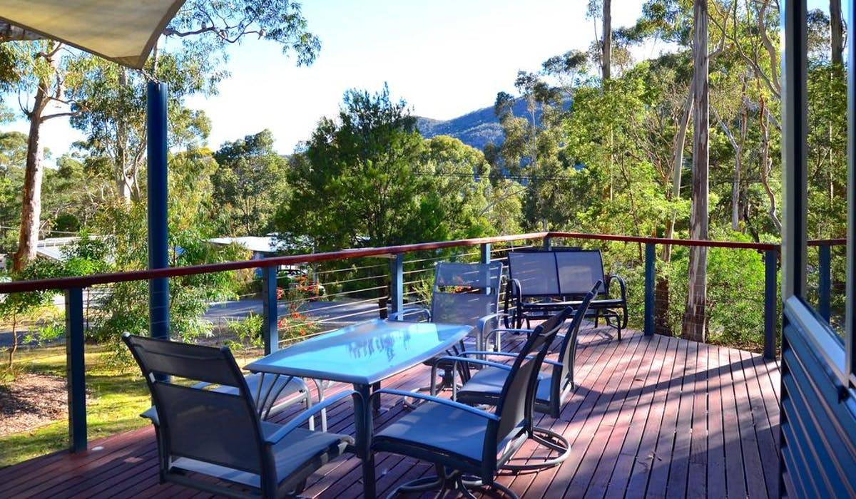 The deck at Blue Ridge Retreat, perfect for wildlife spotting