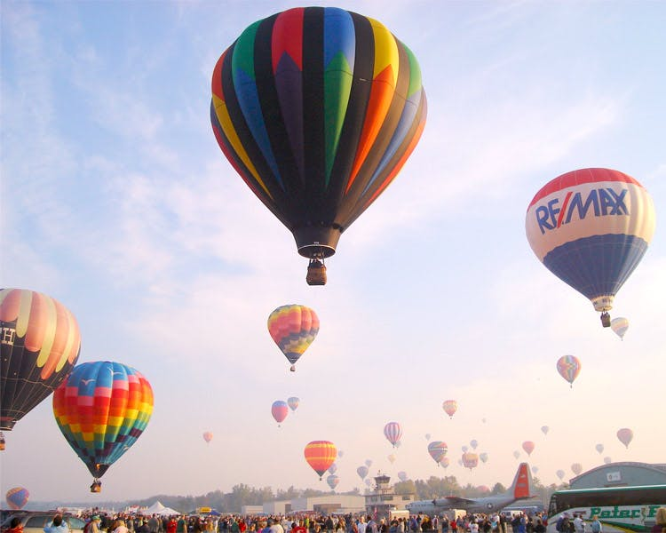 18 Vine Inn and Carriage House Special Deals & Packages - Hot Air Balloon Ride