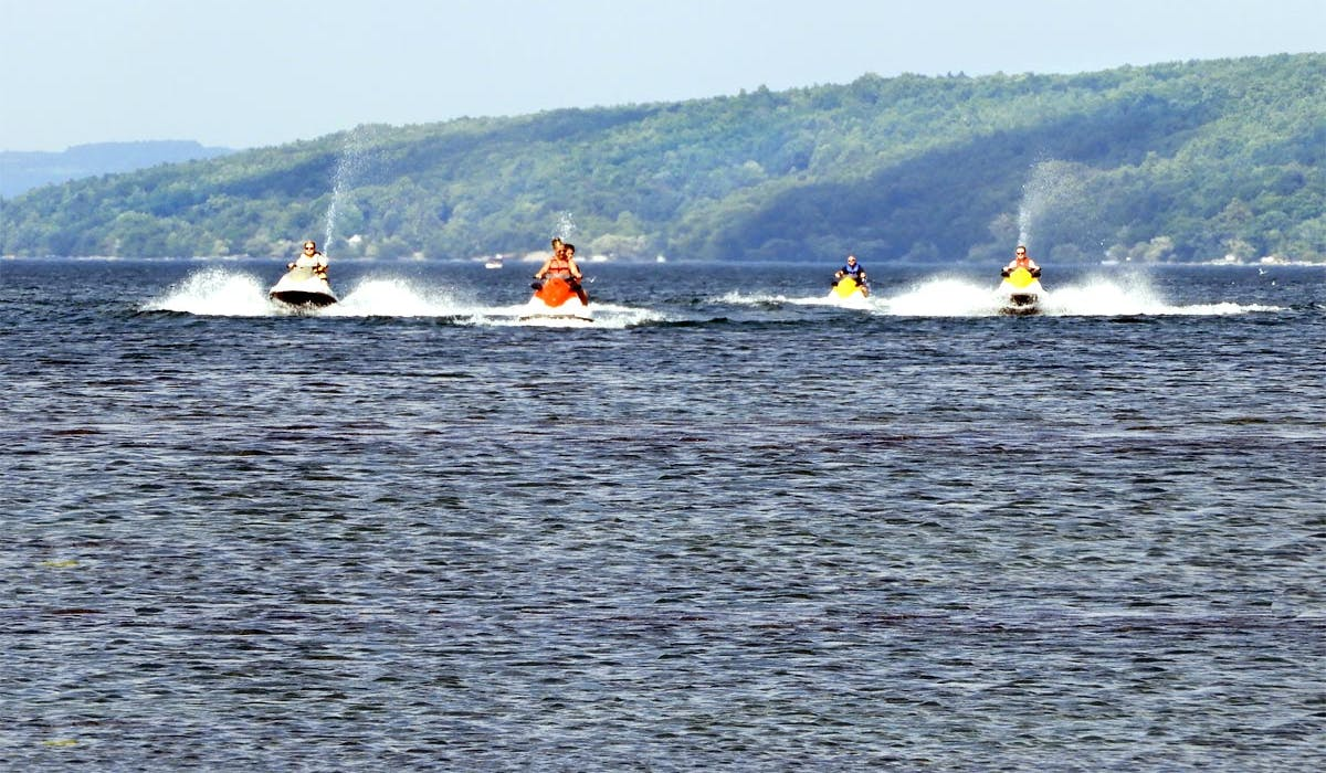 18 Vine Inn and Carriage House Keuka Lake Jet Ski