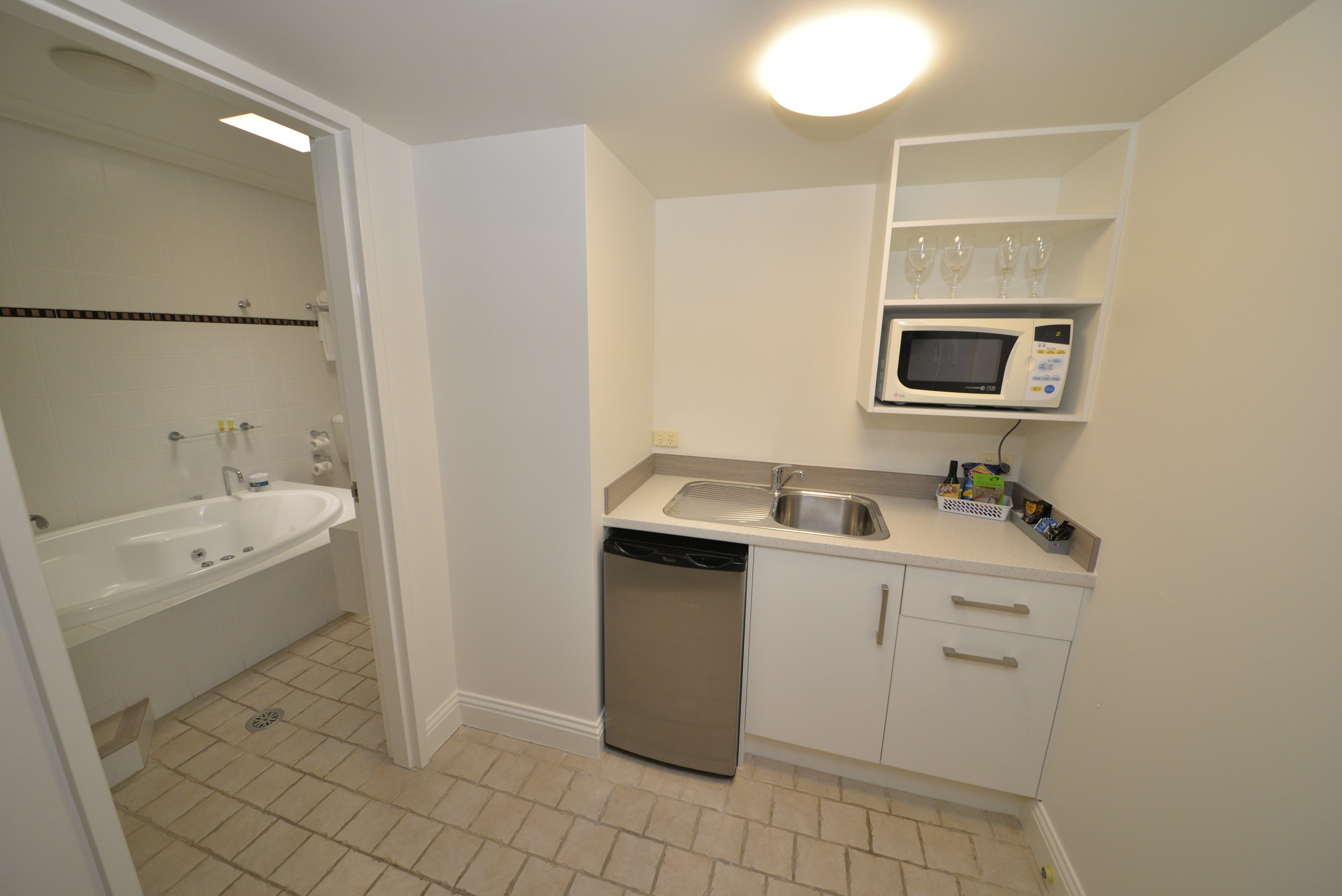 Kitchenette & Bathroom - Deluxe King Spa Room