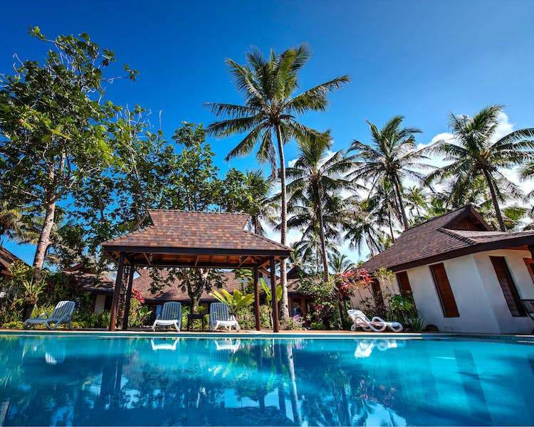 swimming pool infinity coral coast Fiji beachfront hotel