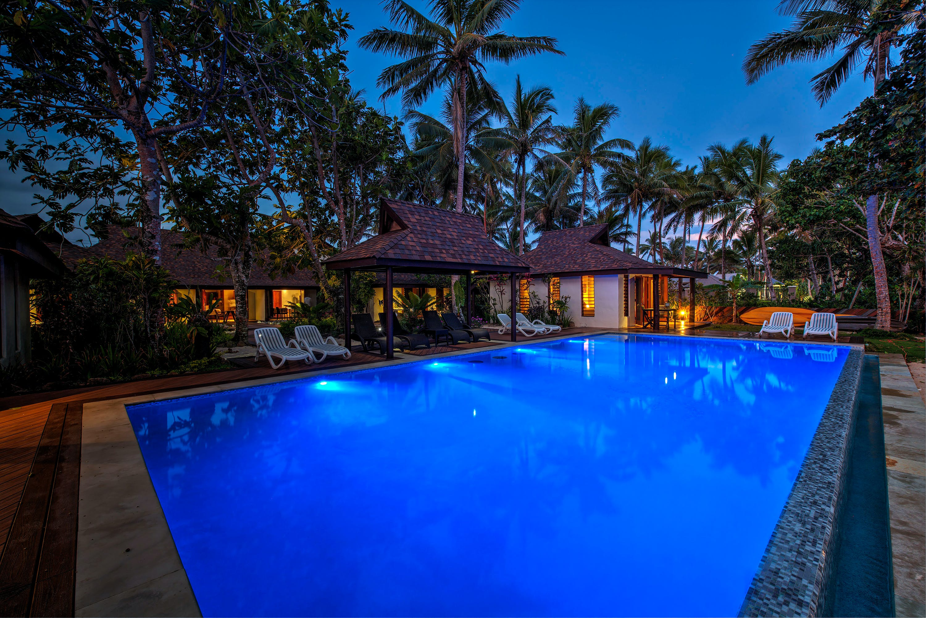 swimming pool infinity coral coast Fiji beachfront