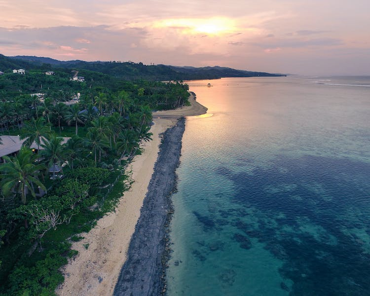 beachfront boutique hotel coral coast romantic couples escape