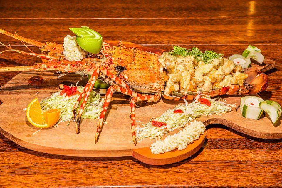 beachfront boutique hotel coral coast fiji fine dining seafood platter lobster