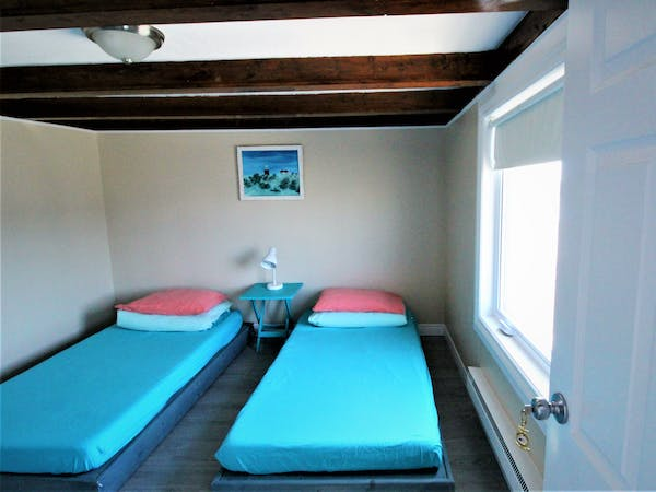 Twillingate Newfoundland Hostel Accommodation Hi Tides Hostel Room 6 - Two Twin Beds