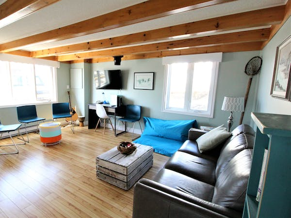 Twillingate Newfoundland Hostel Ocean view Accommodation Hi Tides Hostel