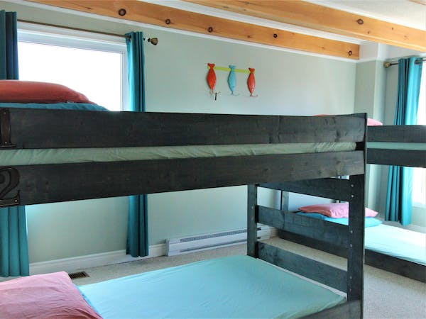 Twillingate Newfoundland Hostel Accommodation Hi Tides Hostel Bunk Bed