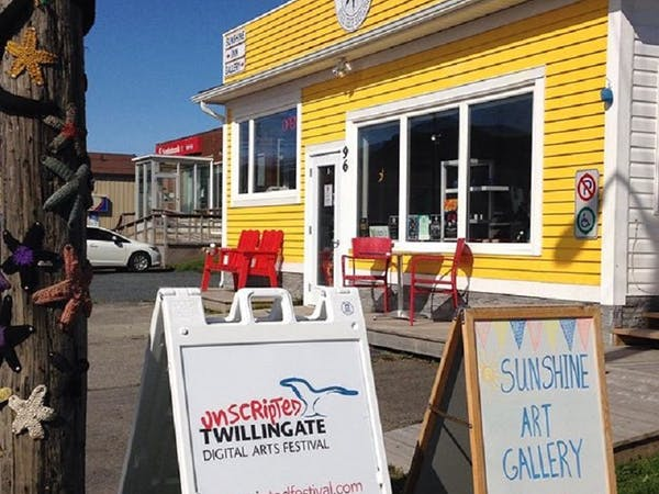 Twillingate Newfoundland Market & Cafe, local products, vegetarian food, free WiFi, family friendly bar