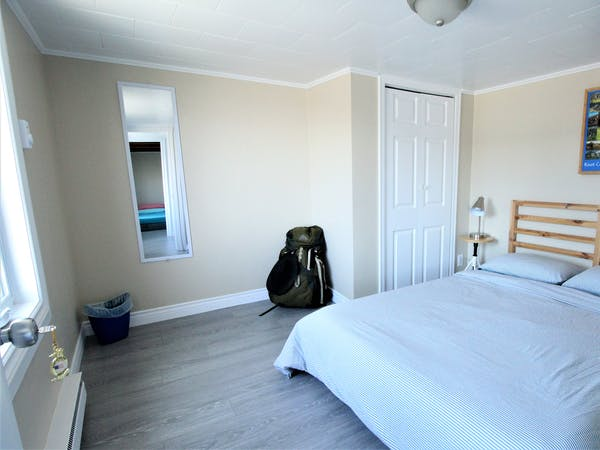 Twillingate Newfoundland Hostel Accommodation Hi Tides Hostel Room 5 - One double bed