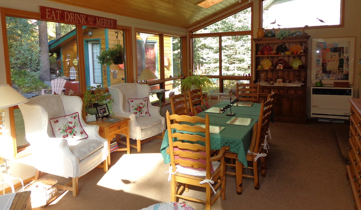 "relax, dine, read, play games in our multi-purpose ""garden room"""