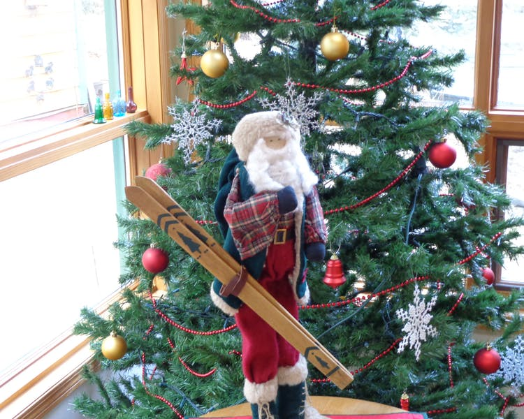 Santa always brings his ski's to Canmore_Banff