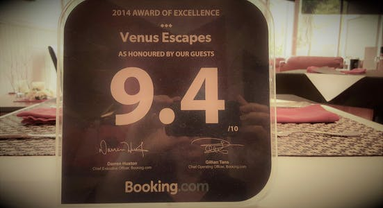 booking.com Venus Escapes award