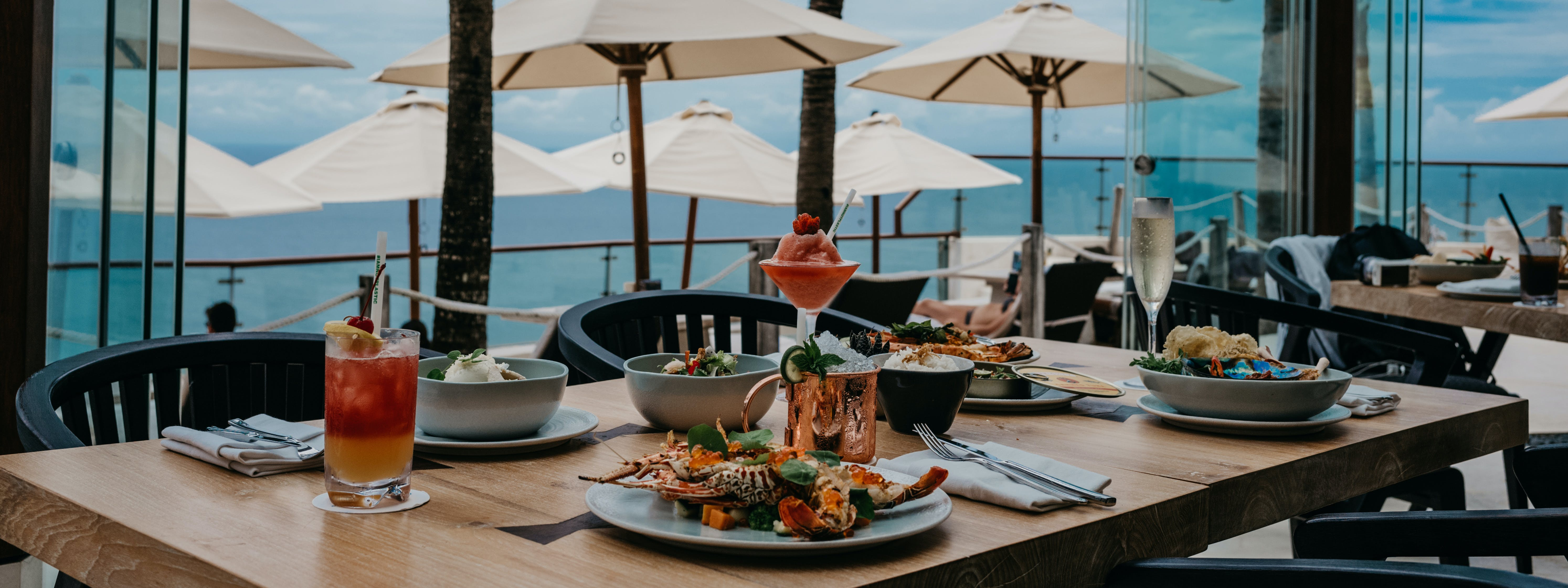 Oneeighty dining at The edge Luxury Villa Resort, Uluwatu Bali