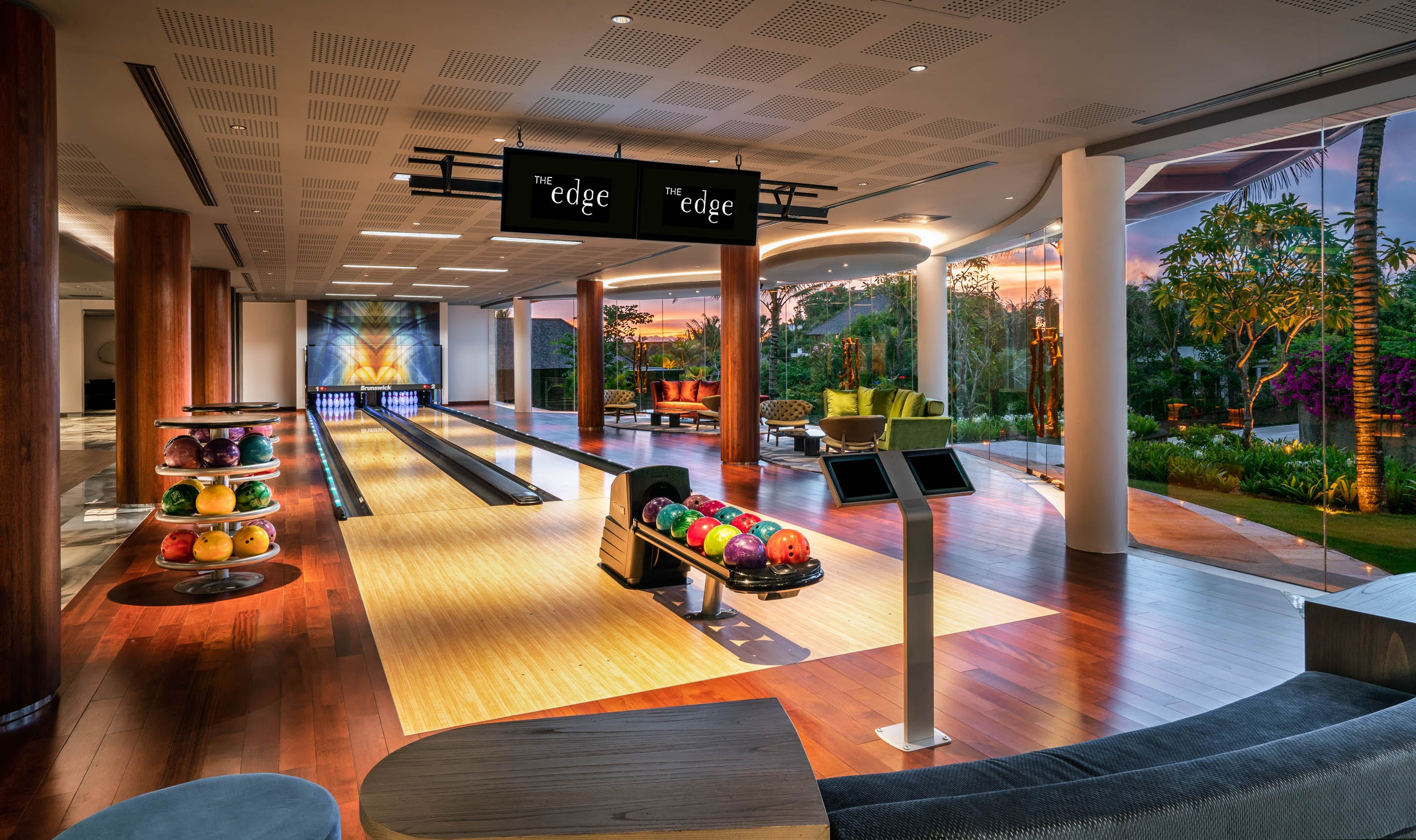 The Club Private Bowling lanes