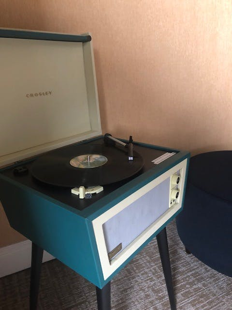 Vinyl turntable in The Dylan Hotel at SFO Deluxe Rooms