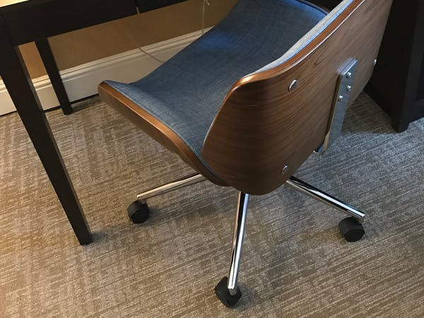 The Dylan Hotel at SFO - Desk and chair in all the rooms