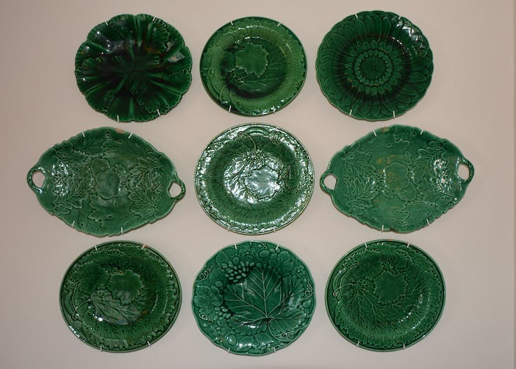Haven Hall Hotel Sea View 2 Suite majolica plates