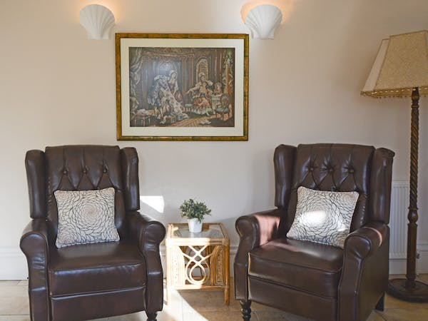 Haven Hall Garden Suite 2 Recliner chairs