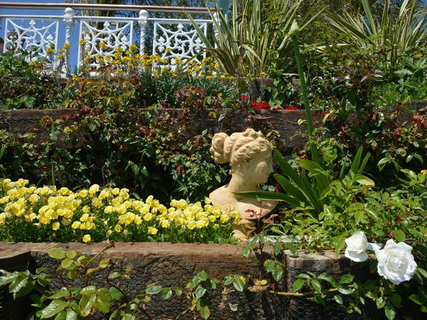 Haven Hall Hotel. Statue in garden