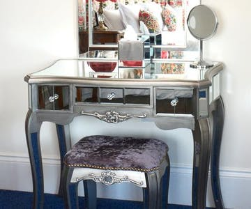 Haven Hall Hotel. Lewis Carroll bedroom dressing table