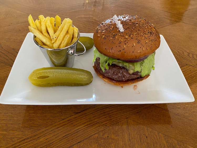 Haven Hall Hotel Luxury Hamburger
