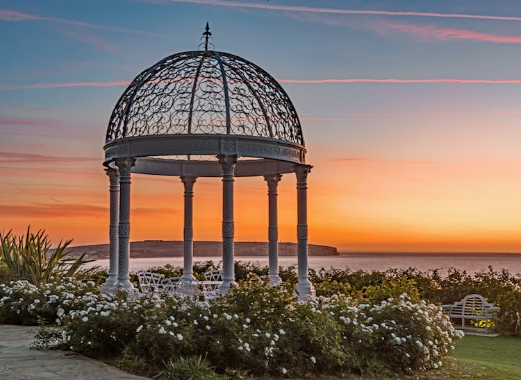Haven Hall Hotel sunrise, gazebo and roses