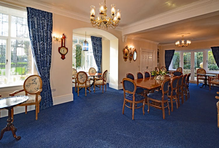 Haven Hall Hotel Blue Dining room