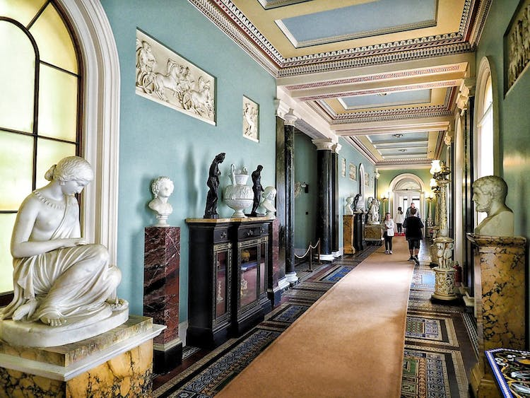 Haven Hall Hotel Osborne House corridor
