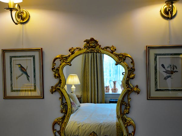 Haven Hall Hotel Mirror Room 4