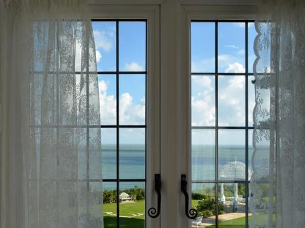 Haven Hall Hotel. Victoria & Albert bedroom. View from a a window
