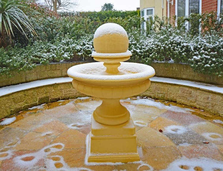 Haven Hall Hotel Ball Fountain with snow