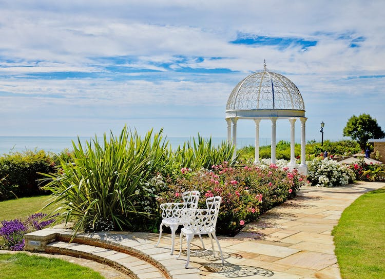 Haven Hall Hotel gazebo & 2 chairs