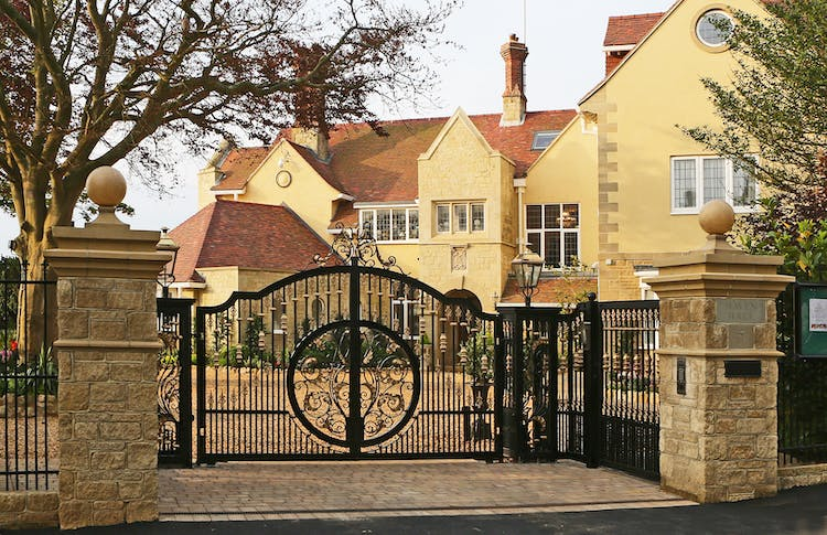 Haven Hall Hotel Front Gate